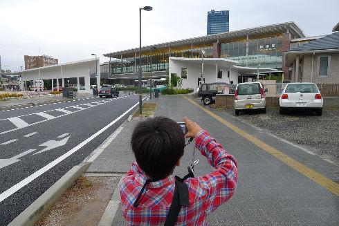 〆は熊本駅にとまる800系と坊主