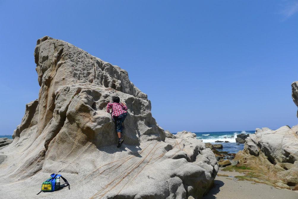 コジイチ岩登りに挑戦中