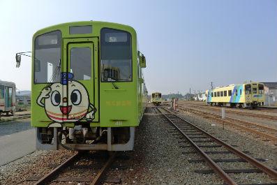 金田駅は車両基地、ローカル線も捨てたもんじゃない。