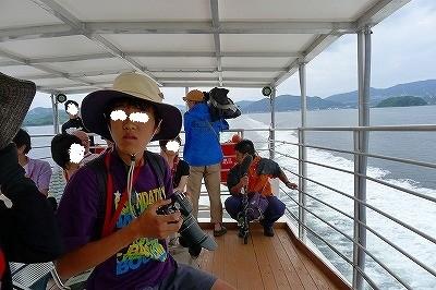 世界遺産へ向け 報道も乗船