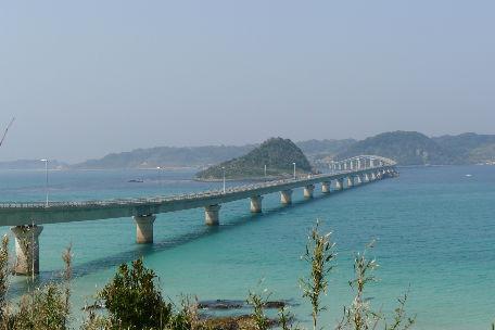 角島大橋に青い海 テンション上がります!