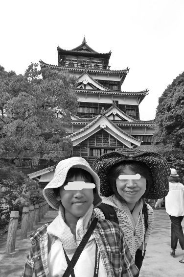 次は広島城へ