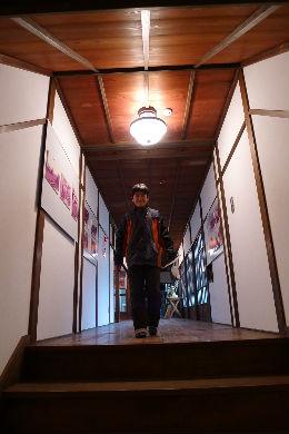 博文も歩いた廊下を坊主も・・・さて将来も同じ道か??