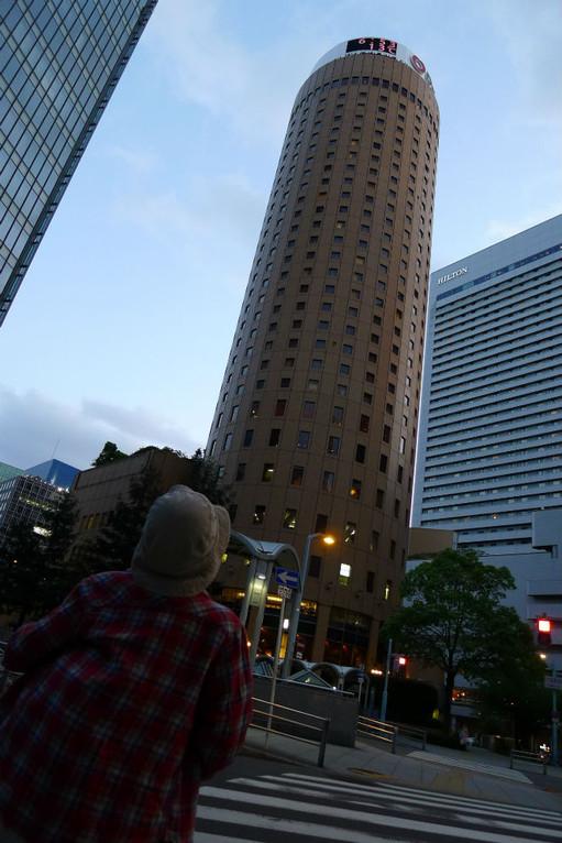 気を取り直して丸ビル内の蛸の徹へ、都会を闊歩