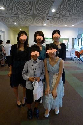 奇麗所のご学友に囲まれて、みんな大きくなりました。