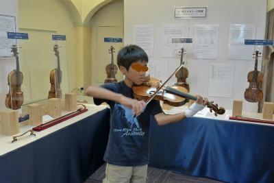300年前のヴァイオリンまで弾かせていただいて