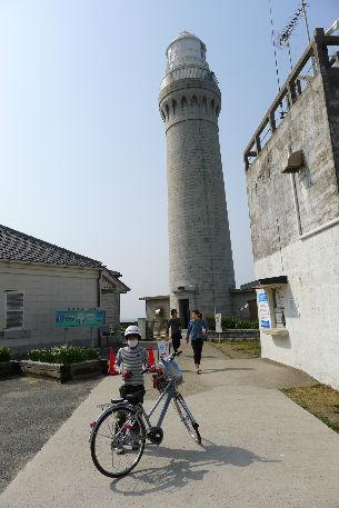 第二の目的地、石で出来た灯台に到着