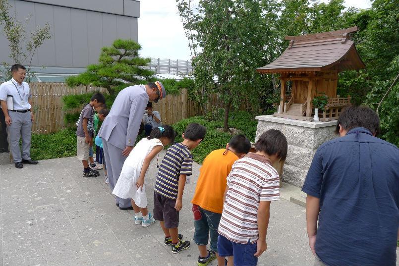 博多駅屋上鉄道神社へ参拝