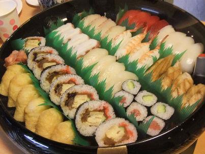 打ち上げは寿司で。