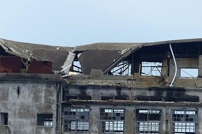昨年の台風で屋根が潰れた小学校?だったかな