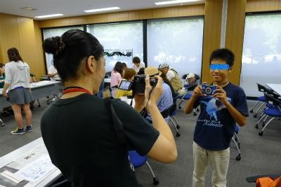 中日親善交流会に参加しカメラの工作、よくしていただきました。