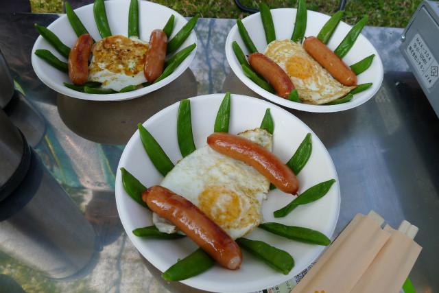 坊主盛り付けの朝食