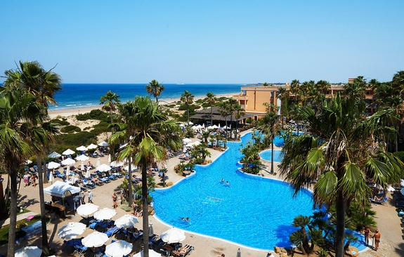 Hipotels Barrosa Park Sporturlaub 2021 am Meer Costa de La Luz Sparreisen mit Flug