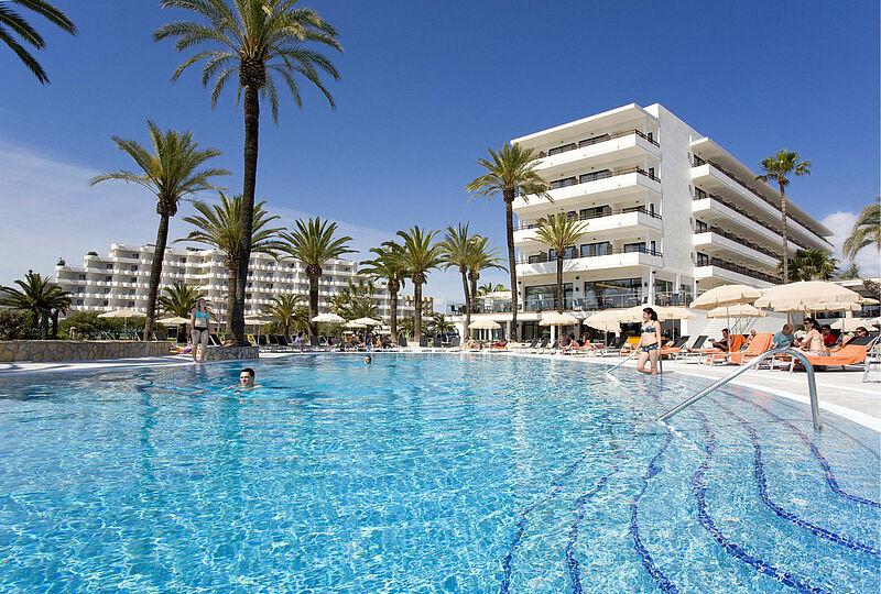 "Mallorca Badeurlaub mit Alltours Reisen ins Allsun Hotel ""Bahia del Este"" im Mallorca Sommerurlaub 2021 und Herbstferien 2021 incl. Flug"