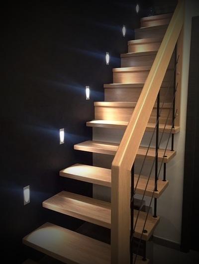 escalier avec ou sans contremarche site de escalier. Black Bedroom Furniture Sets. Home Design Ideas