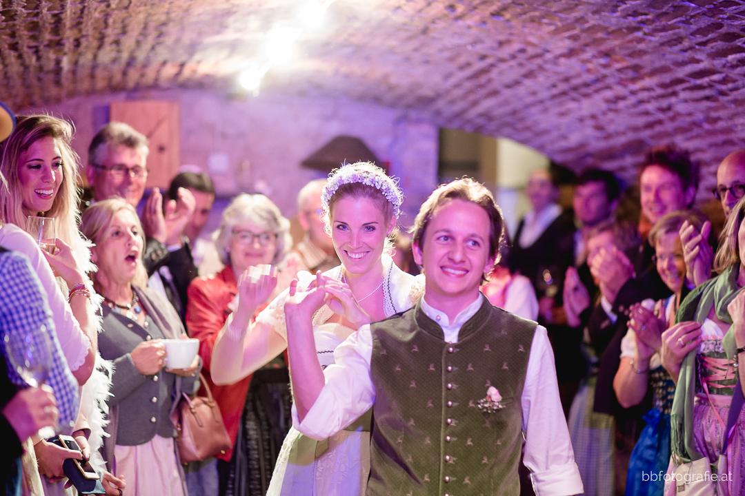 Hochzeitsfotograf, Hochzeitsfotograf Klosterneuburg, Hochzeitslocation Klosterneuburg, Hochzeitslocation Vinothek Zimmermann, Hochzeitsfeier, Gartenhochzeit, Trachtenhochzeit, Weinberge, b&b fotografie