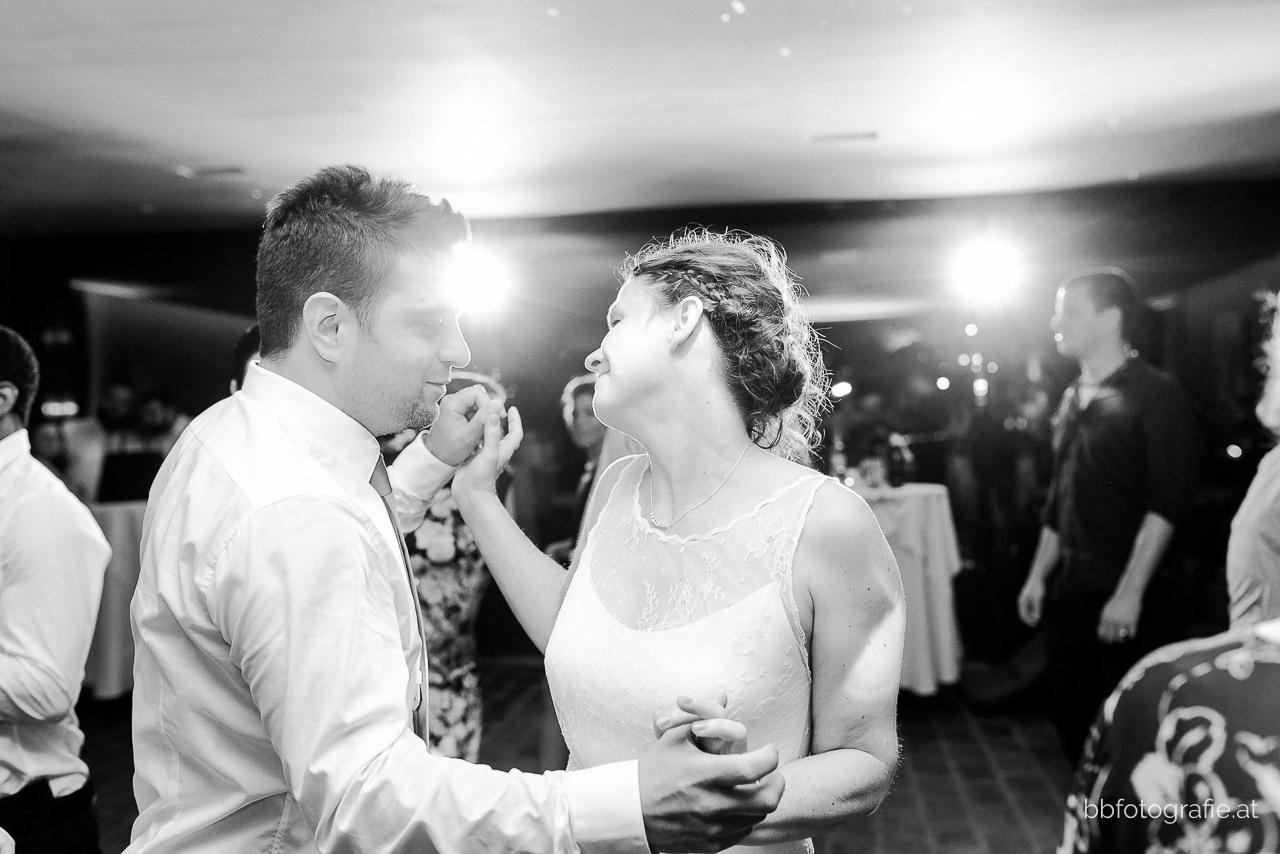Hochzeitsfotograf, Hochzeitsfotograf Wien, Hochzeitslocation Wien, Hochzeitslocation Weingut am Reisenberg, Hochzeitsfeier, Gartenhochzeit, Hochzeit mit Ausblick, b&b fotografie
