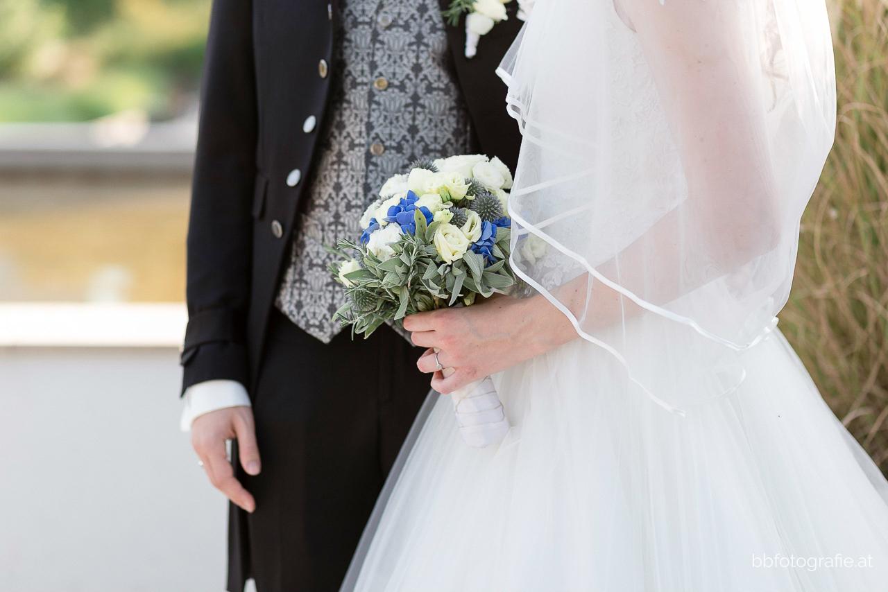 Hochzeitsfotograf, Brautpaarshooting im Donaupark, Paarshooting, b&b fotografie