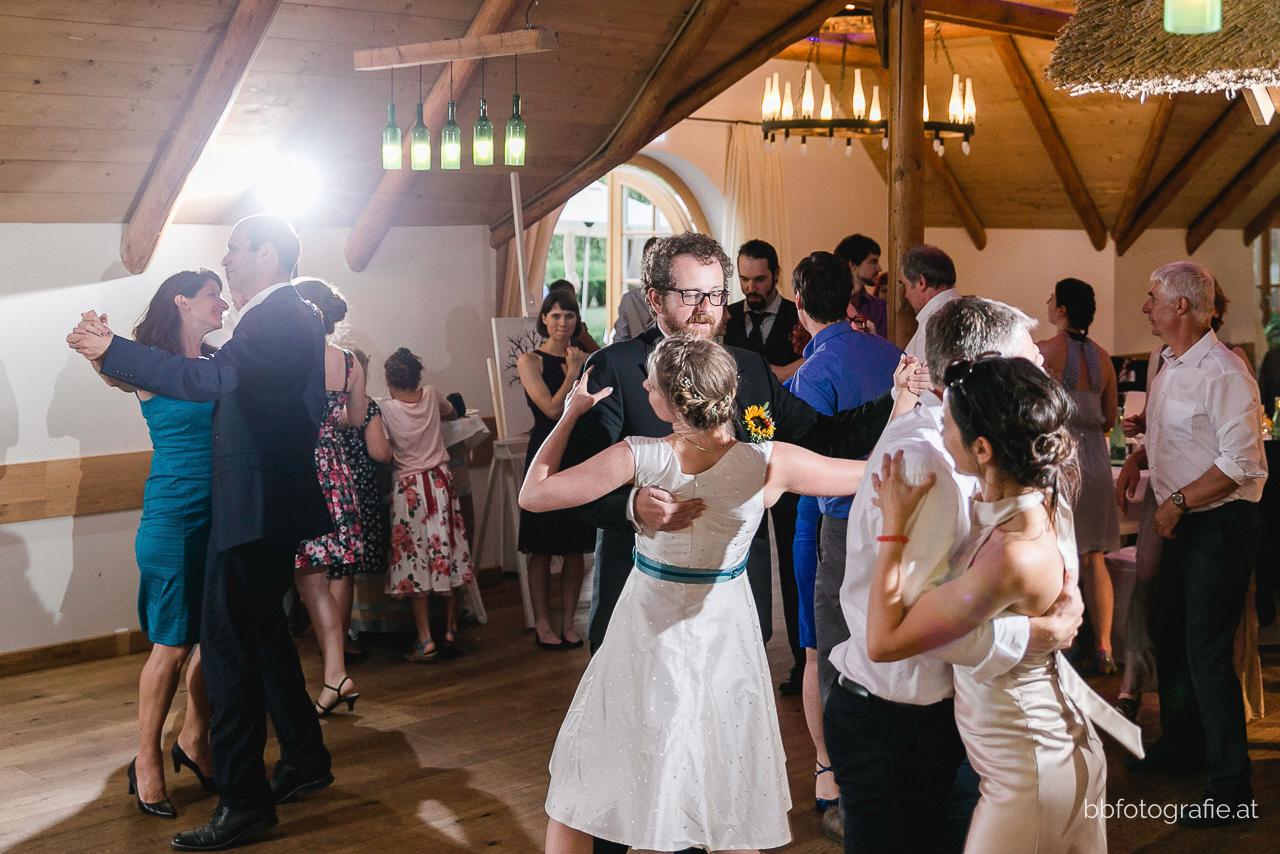 Hochzeitsfotograf, Hochzeitsfotograf Burgenland, Hochzeitsfeier, Hochzeitslocation Burgenland, Hochzeitslocation Villa Vita Pannonia, Gartenhochzeit, b&b fotografie