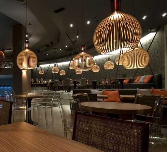 luminaire design octo par secto design dans un bar restaurant chic architecture intérieur décoration al intérieurs