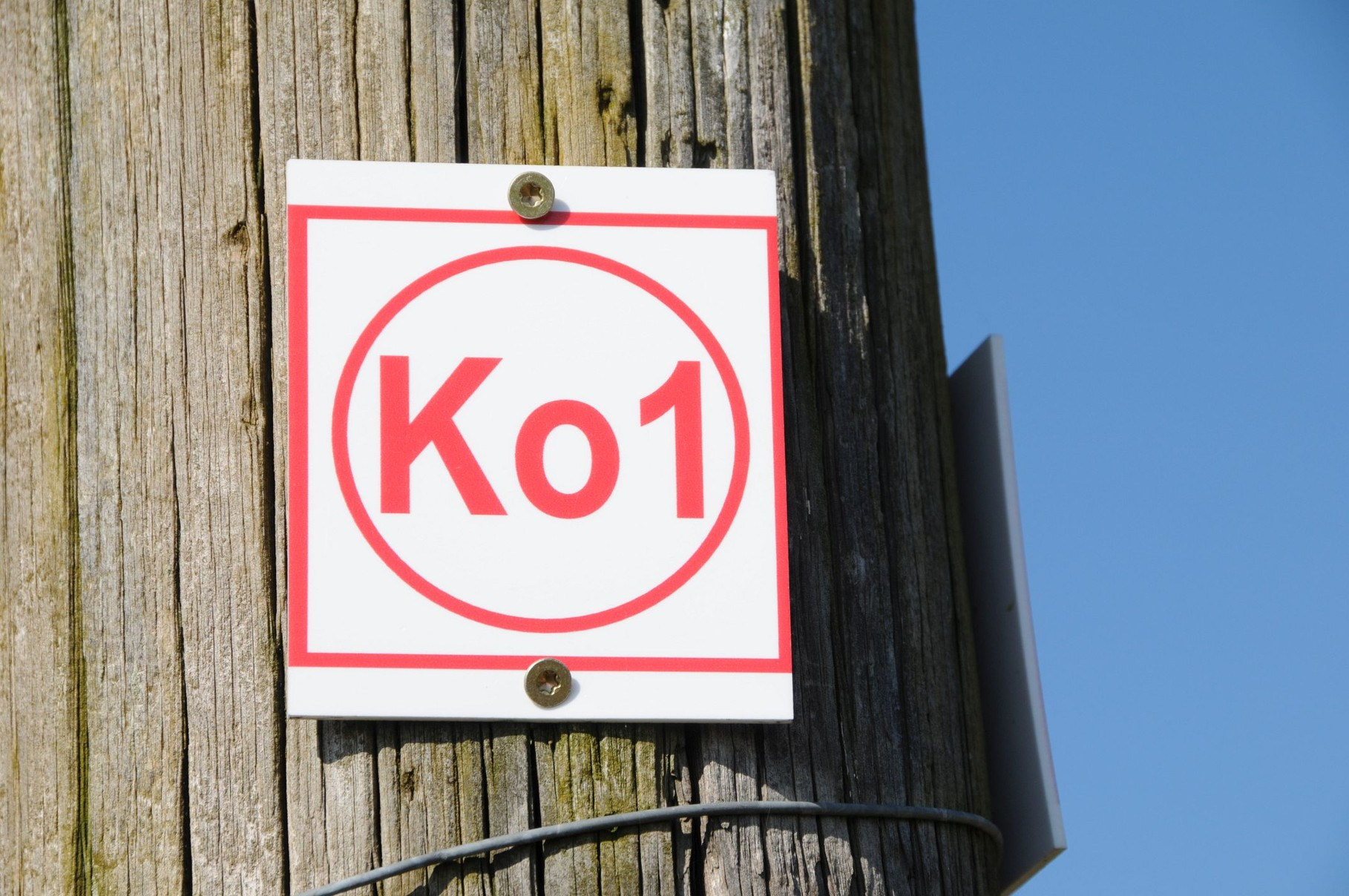 Der gekennzeichnete Korlinger Wanderweg KO1
