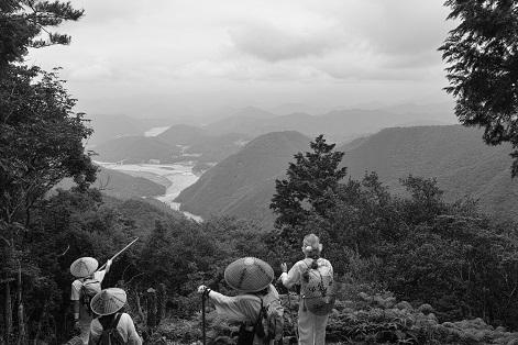 熊野本宮を一望し昔を偲ぶ