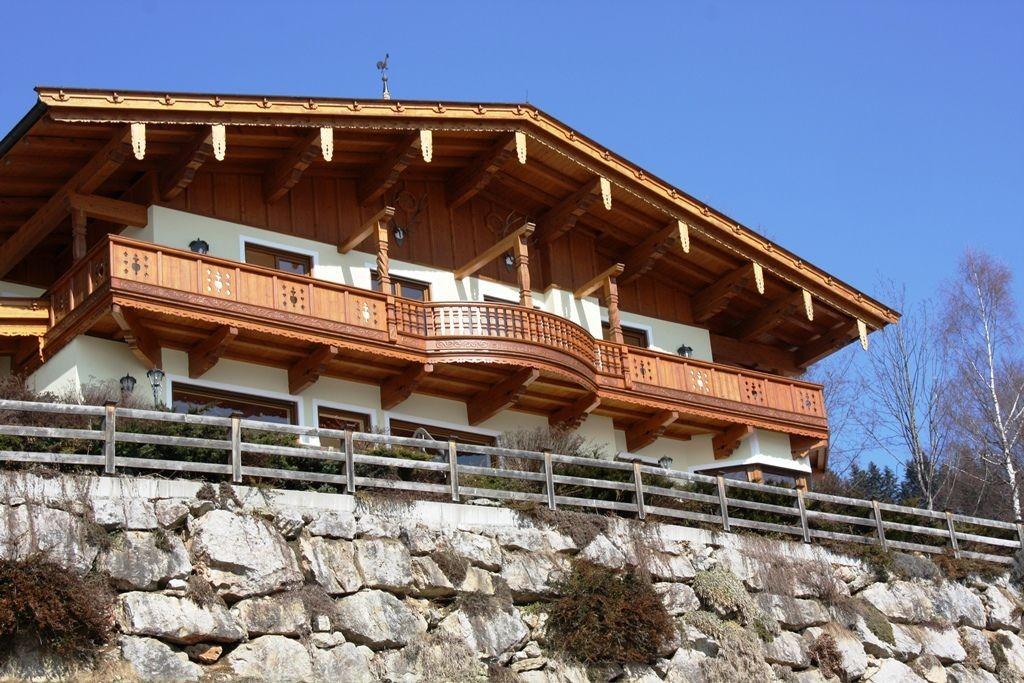 Landhausvilla mit einem atemberaubenden Blick auf die Zillertaler Alpenkette