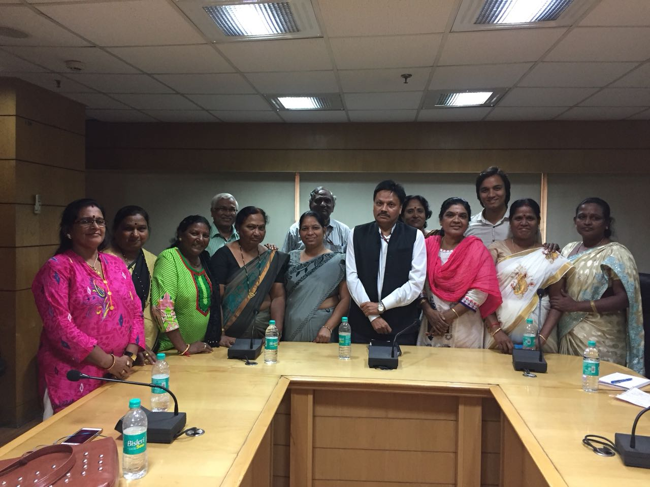 Ms.Jayamma,President CMM and others meets with Shri.Sanjeeva Kumar,IAS,Additional Secretary-Health,Govt.of India and Director General NACO -representing Community Issues and etc on 5th.Oct.2017 in New Delhi