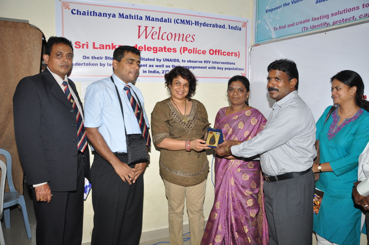 Srilankan High Profile Police Officers and Staff of National AIDS Control Organization presenting a Memonto to CMM president on their learning visit to CMM