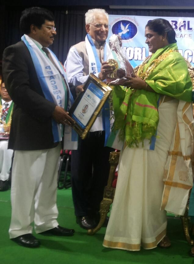 Ms.B.Jayamma,President,CMM has been honored with  Global Peace Award,by the hands of  Hon'ble  Justice Sri.Ramalingeswer Rao,High Court for the State of Telangana and Andhra Pradesh in Hyderabad.