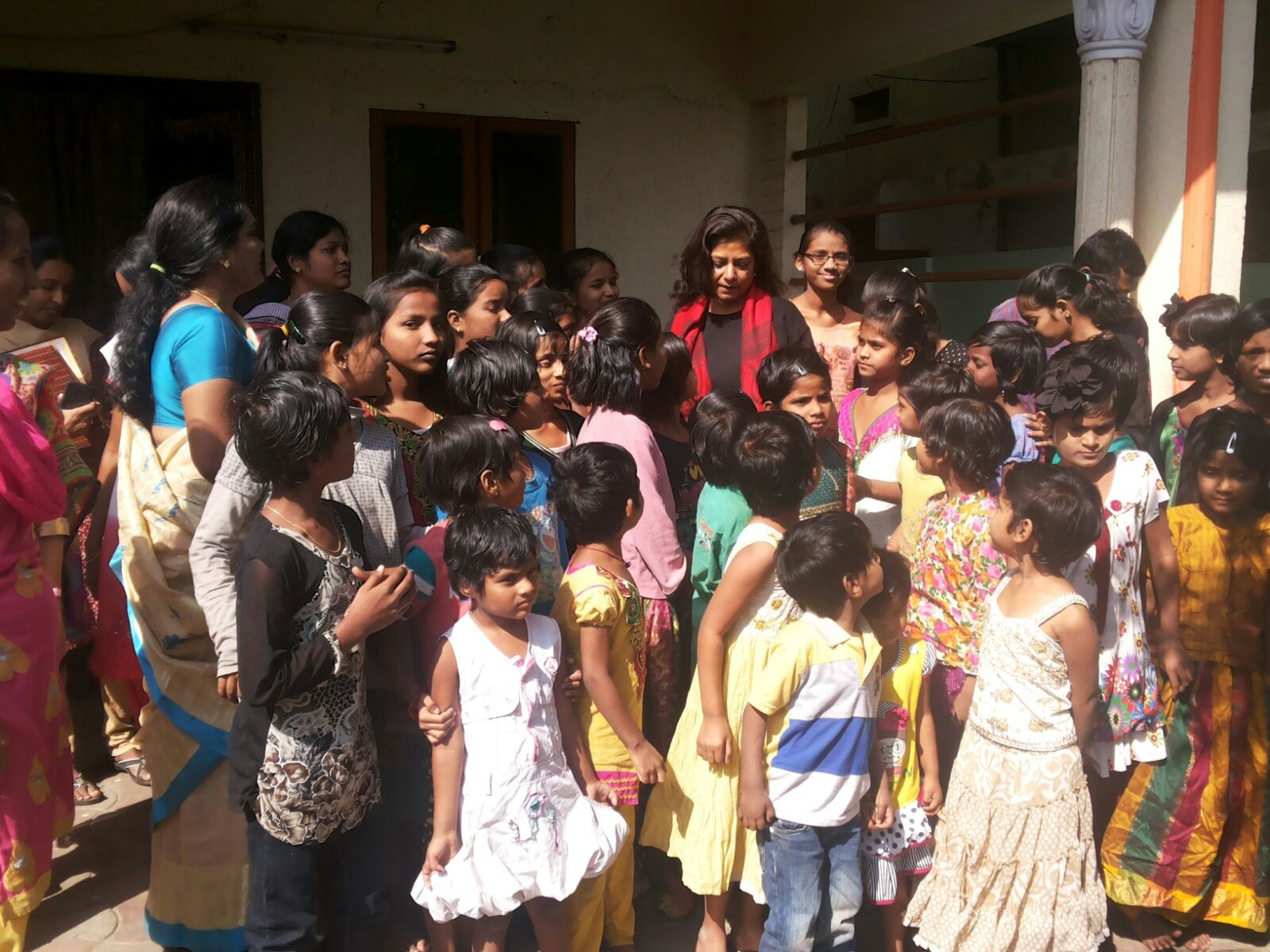 Ms.Charu Sinha,IPS, Director,Anti-Corruption Beuearo,State of Telangana with the CMM inmates on her visit to CMM