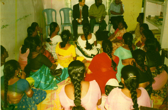 Mr.Dennis Brown,The then UNAIDS India Country representative,interacting with CMM Members at its office in Hyderabad