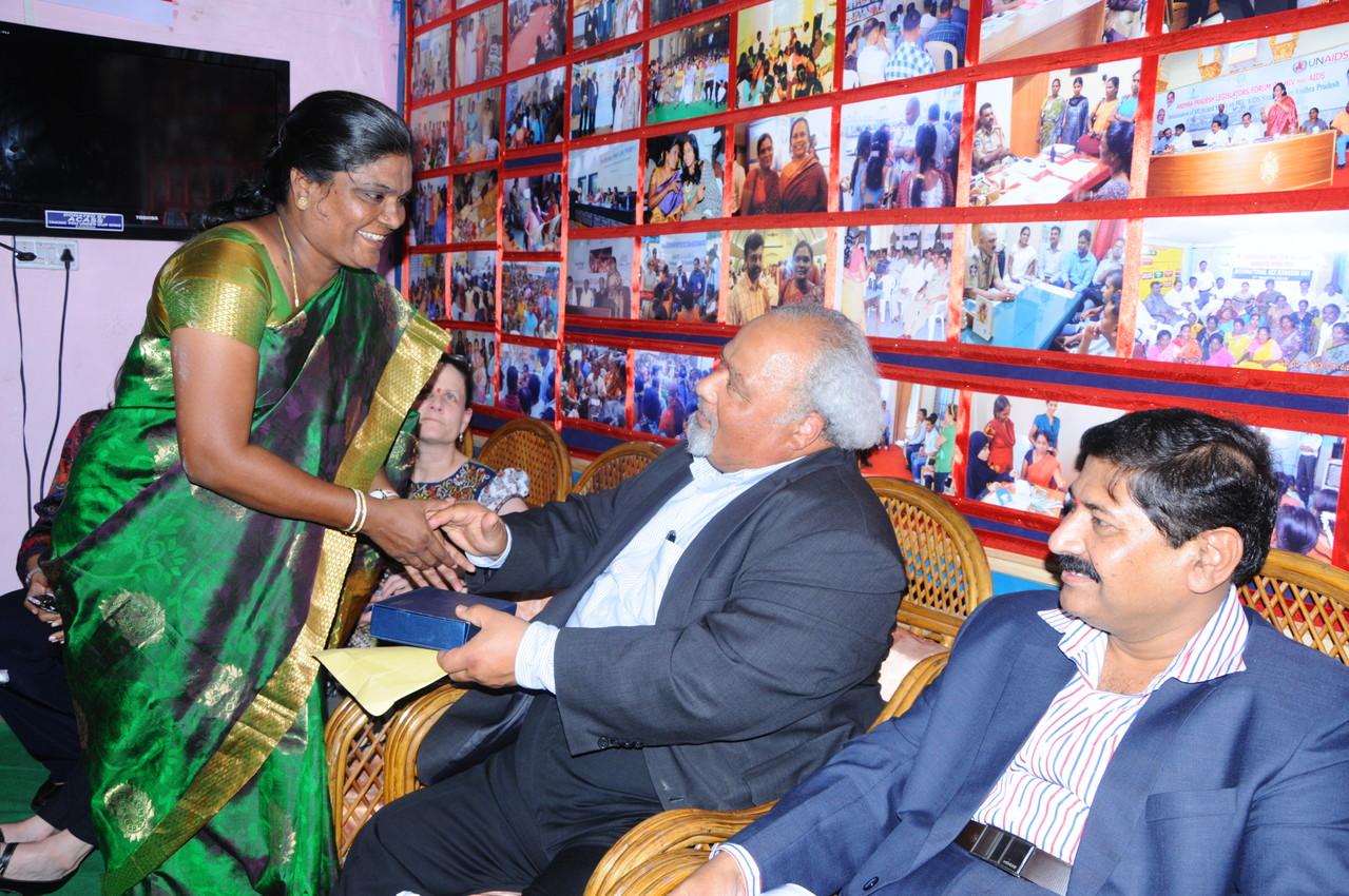 Ms.Jayamma,President-CMM presents a Memonto to Global AIDS Coordinator,PEFAR and Ambassador Dr.Eric Goospy,USA, on his visit to CMM on May.2.2013