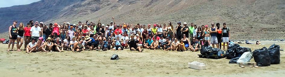 Beachcleaning People in Lanzarote, COUP, Lanzarote Limpia, Fight fore nature, Donate, Spende, donacion, GRACIAS, thankyou