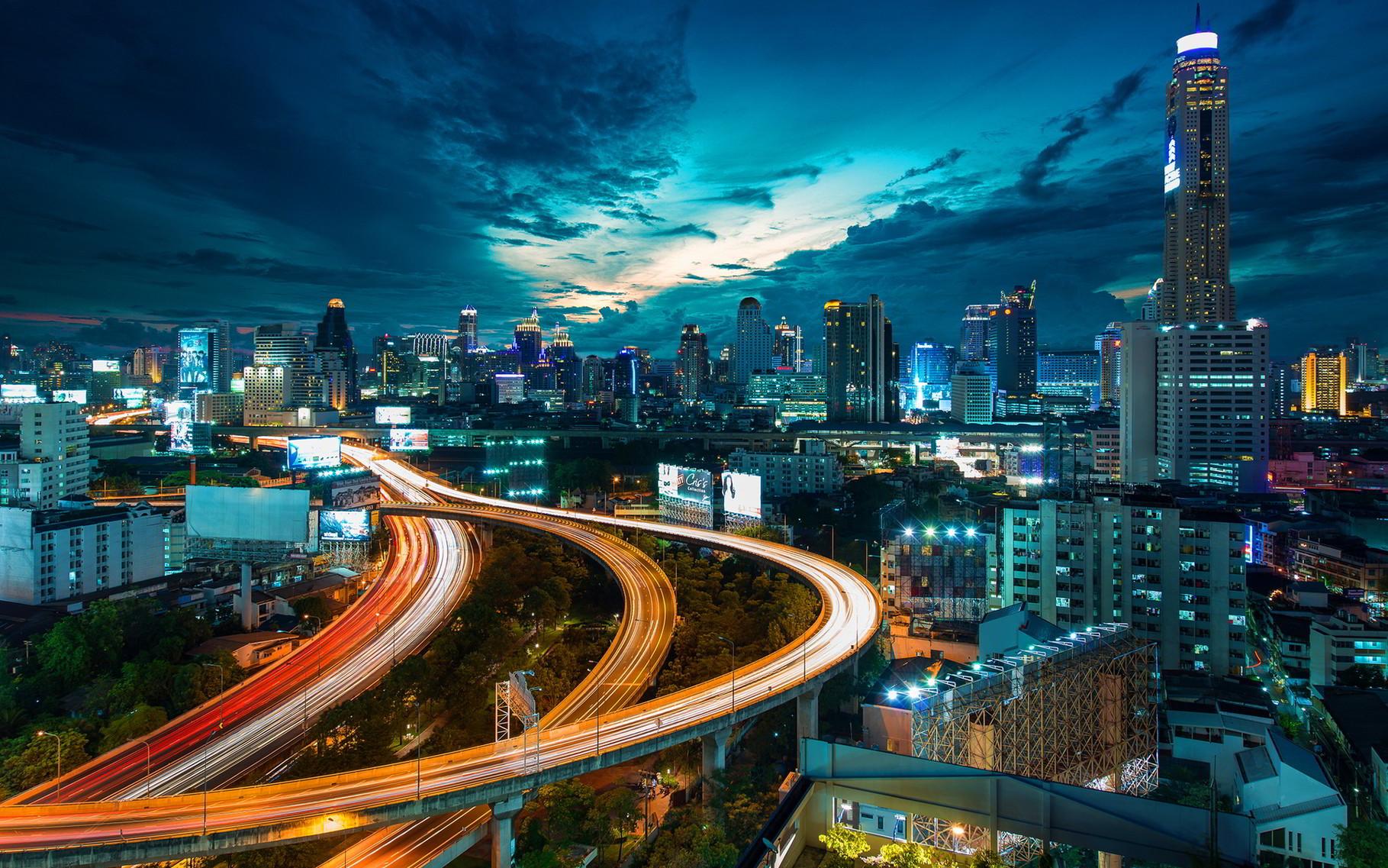 Bangkok ist eine absolut faszinierende Stadt, vorallem wenn man sich auskennt und weiss wie man sich fortbewegen kann