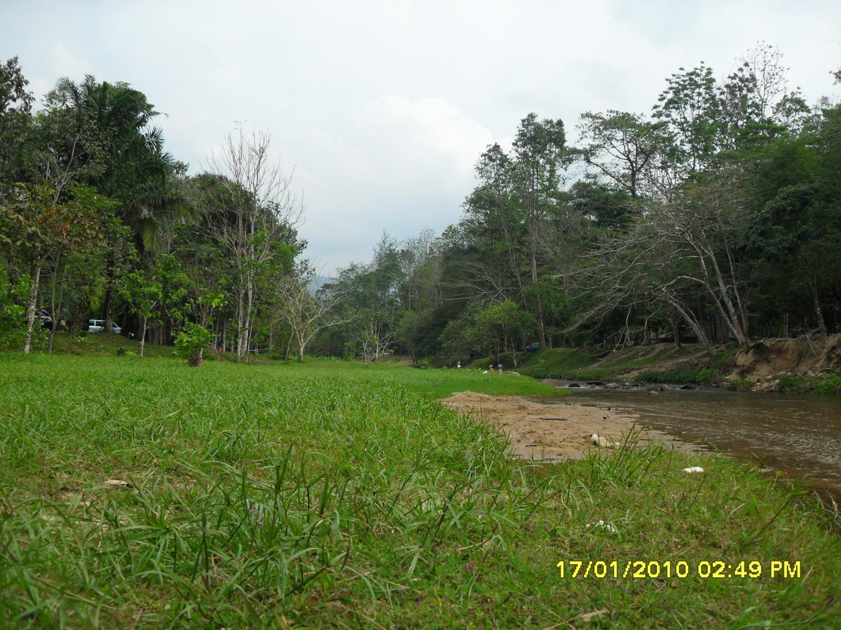 An diesem Fluss gibt es auch Uebernachtungsmöglichkeiten, wieso nicht mal ein Wochenende mit baden, grillieren und ausspannen verbringen?!