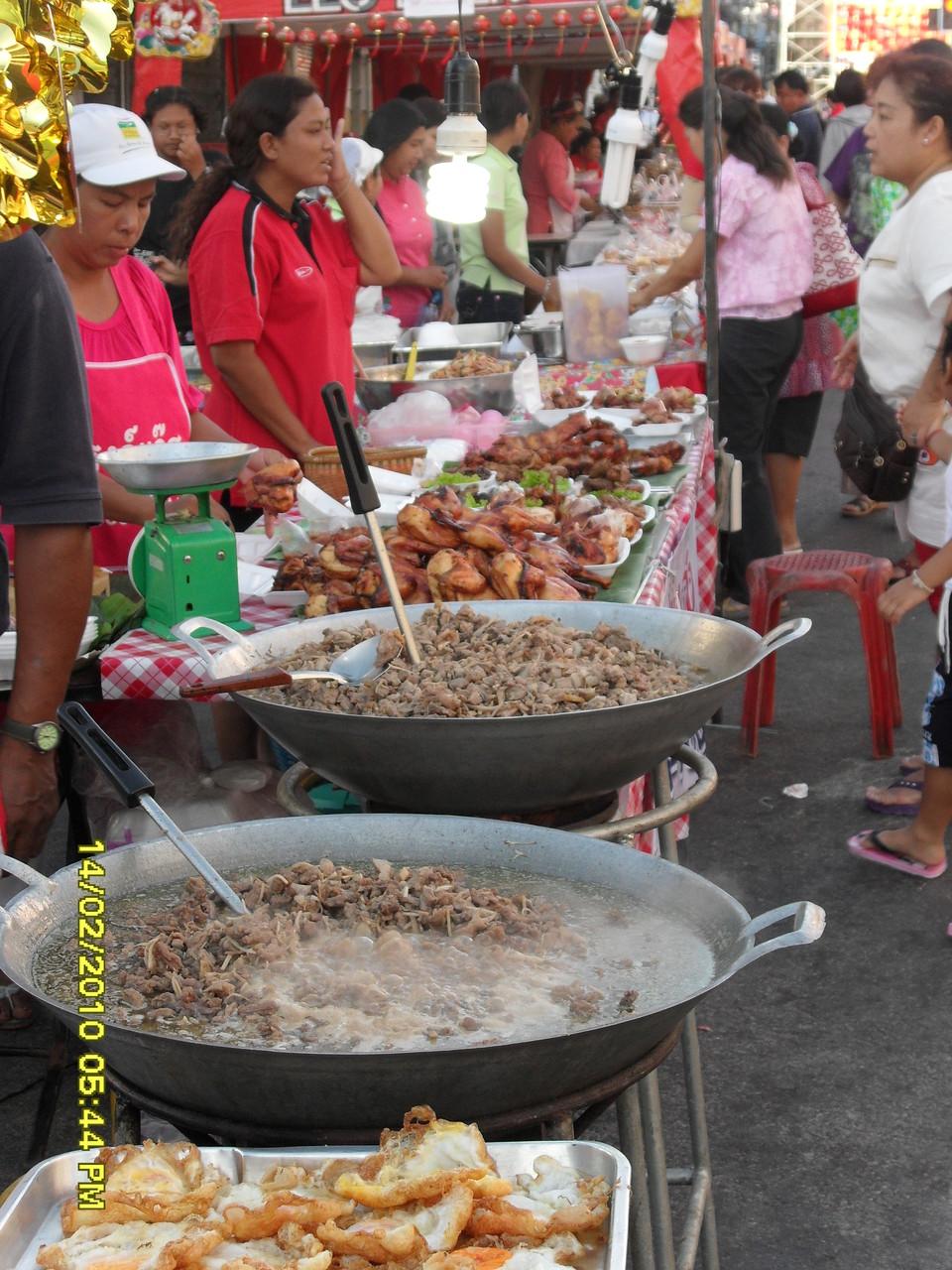 Essen auf dem Markt, lecker!