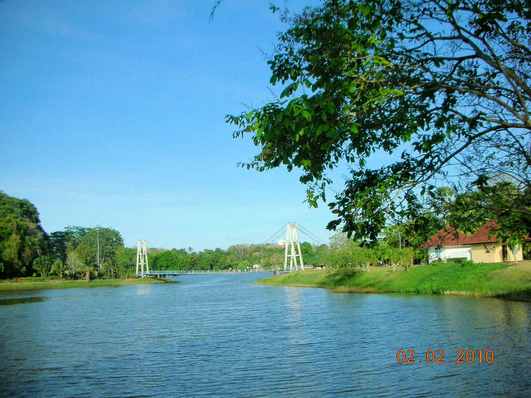 Dieser Park befindet sich in Trang Stadt und lädt gegen Abend zum Sport treiben oder flanieren ein