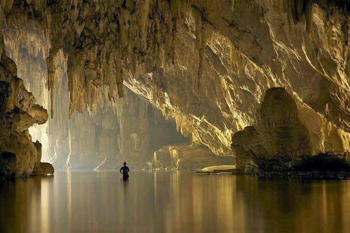 Eine der Höhlen etwas ausserhalb von Trang