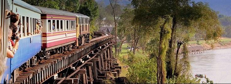 Die Fahrt führt durch einmalige Landschaften welche, je näher man Chiang Mai kommt, immer hügeliger wird