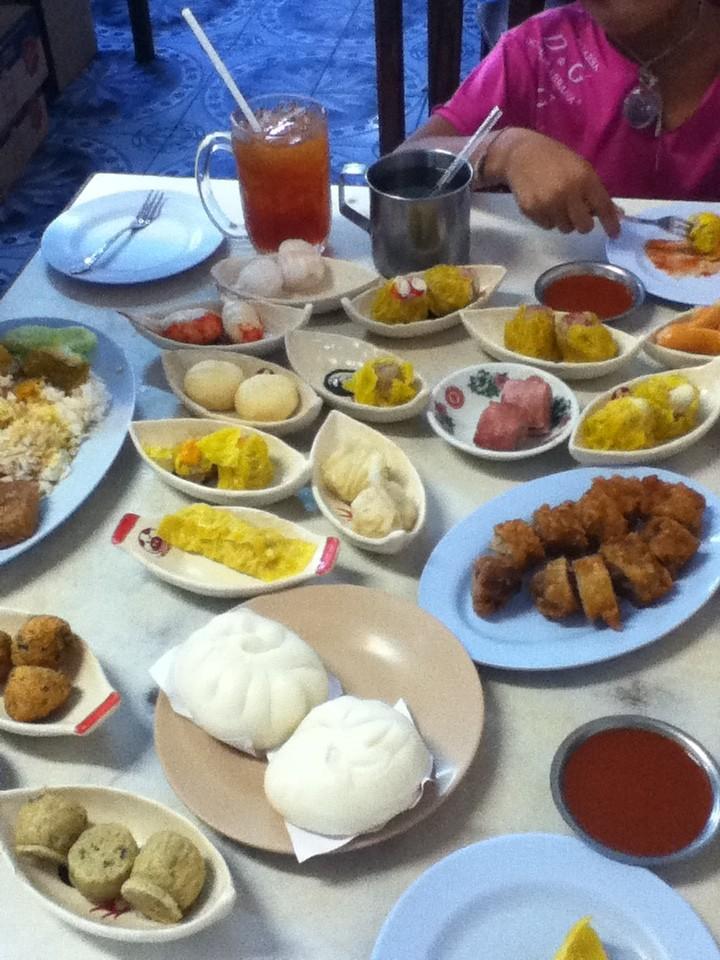"""Das berühmte Trang-Frühstück, ein """"muss"""" fuer jeden Trang-Urlauber"""