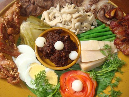Das Essen im Norden unterscheidet sich vom Essen in anderen Regionen Thailands, es schmeckt jedoch vorzüglich
