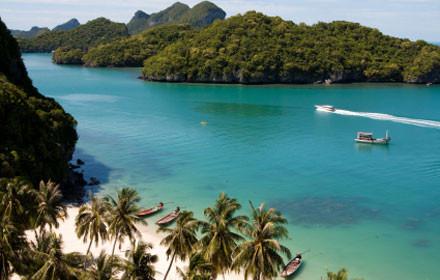 Der traumhafte Ang Thong Meeresnationalpark liegt unweit von Koh Samui entfernt und ist auf jeden Fall einen Besuch wert