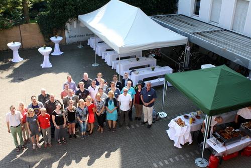Teilnehmer des Strategieprozesses des DRK Kreisverband Münster e.V.  zusammen mit Prof. Michael Vilain  (IZGS) und Tobias Meyer (IZGS) © N. Heckmann