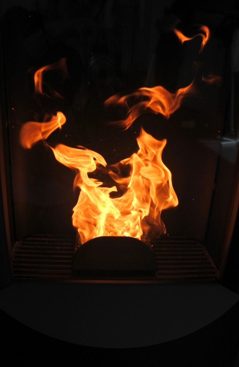 les premières flammes apparaîssent !