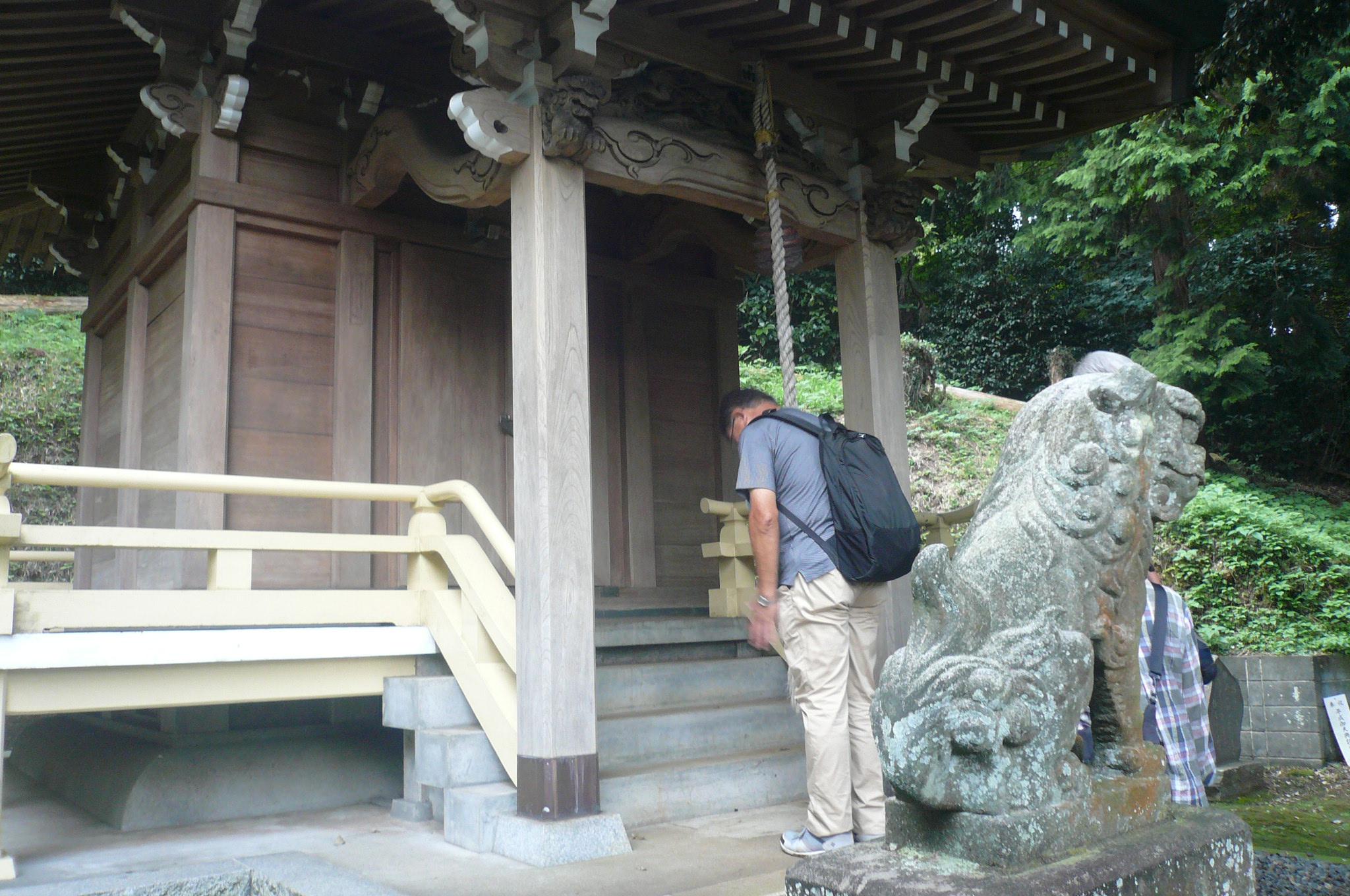 熊野神社へ。30名ほどの氏子さんが維持管理されていると聞き驚く