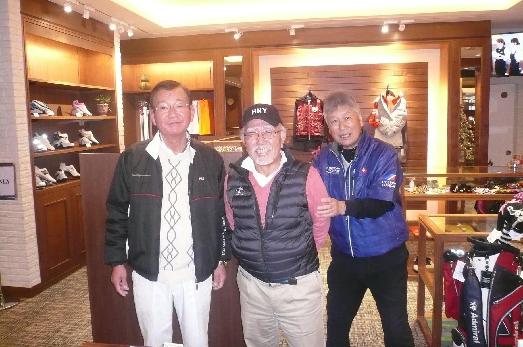 今年1年世話してくださった大島さん田中さん今井さん(左寄り)