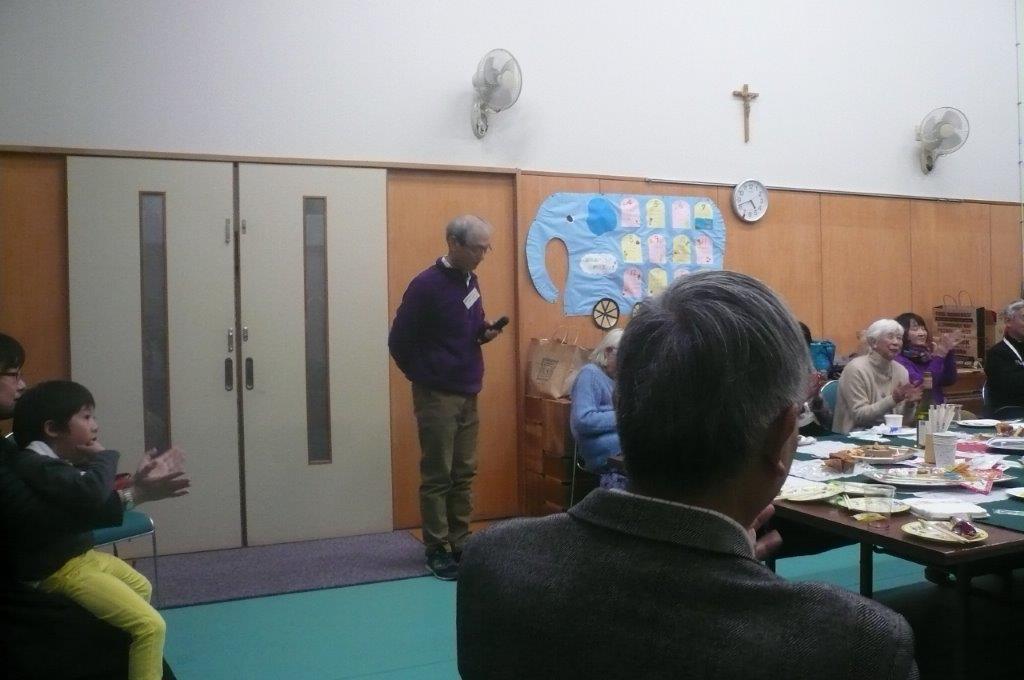 渡辺さんの司会で懇親会