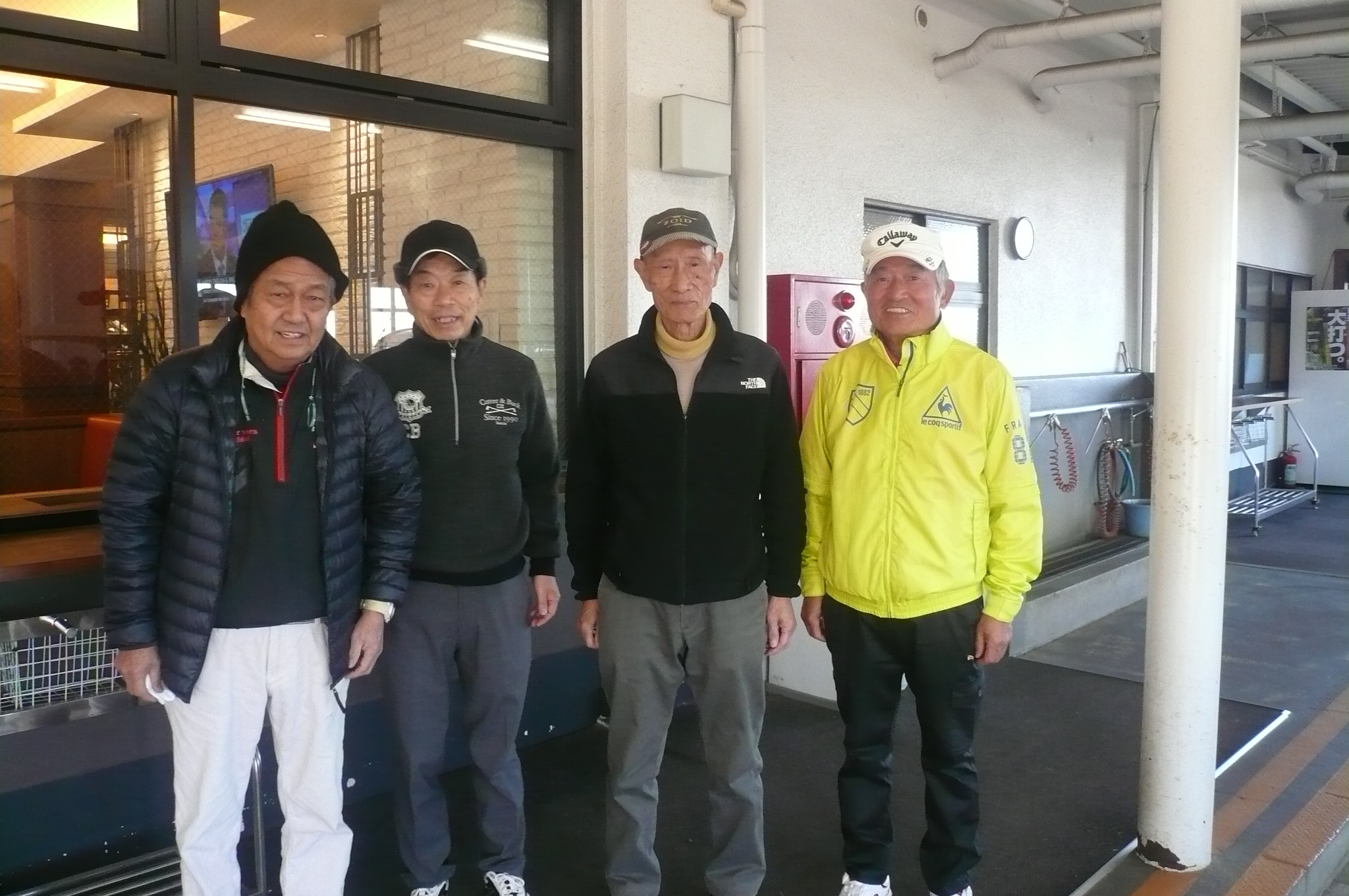 4組柿沢・高雄・小林・優勝した田中啓充さん