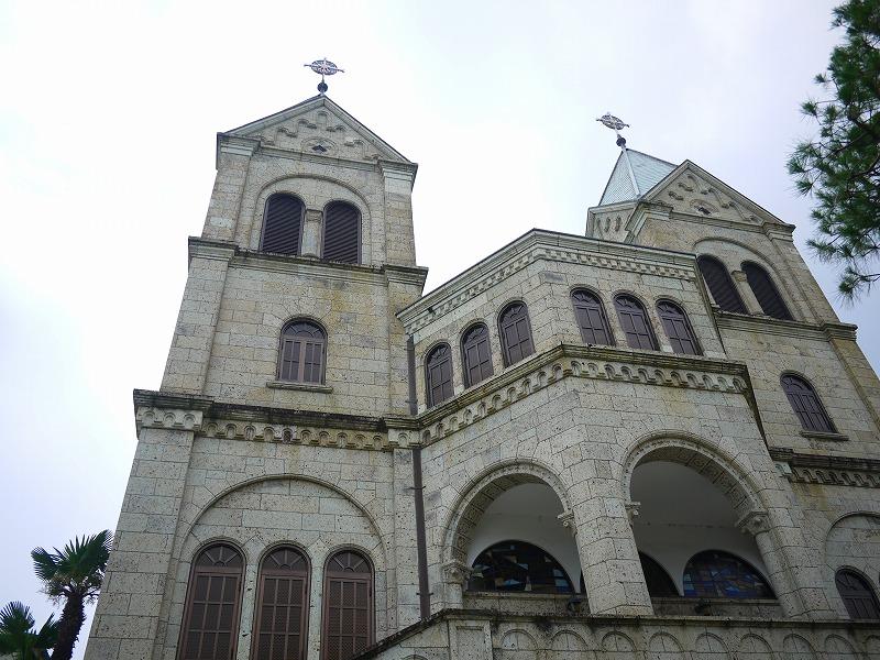 カソリック松が峰教会。大理石を用いた築84年